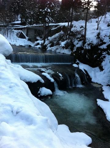 渓流釣り初心者が覚えておきたい渓流の構造とは?