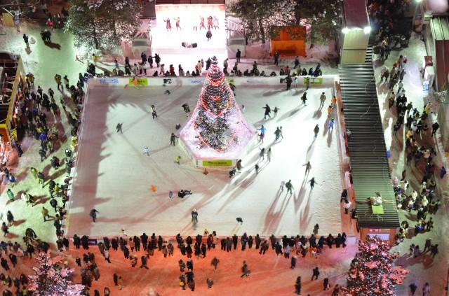 札幌雪祭りは北海道の冬の観光名物!